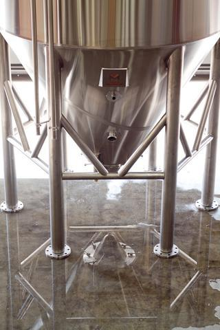 Marks Design and Metalworks - custom stainless steel tanks for brewhouses